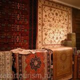 med_Beautiful-Handmade-Persian-Rugs-and-Carpets-in-Souk-Madinat-Jumeirah-Dubai-UAE-1418053810997